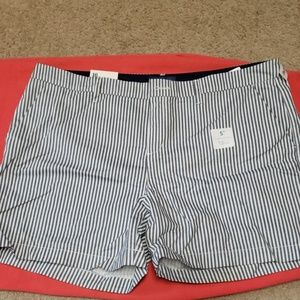 NWT Old Navy everyday shorts